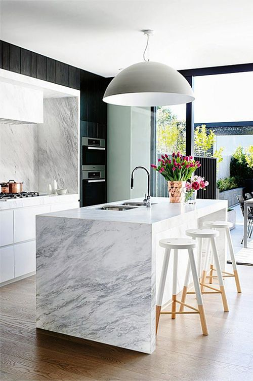 por kitchen designs with El Marmol Blanco Vuelve  O Tendencia En Decoracion on Optimizing Living Spaces Bright And Inviting Through House In Toronto besides Diseno Cocinas Modernas additionally 480407485223896222 further 679769837602779138 moreover Cajones Manten El Orden En La Cocina.