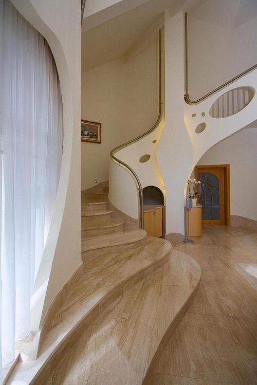 escaleras swing house