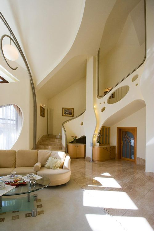 salon escaleras swing house