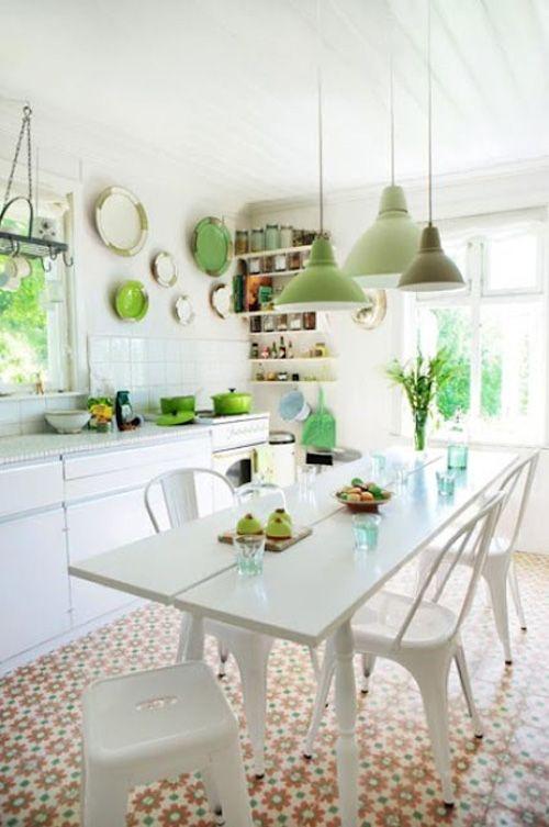 cocina marroqui verde blanco luminoso