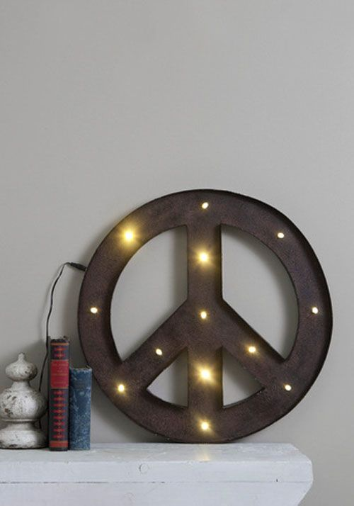 lampara de light of peace tienda modcloth