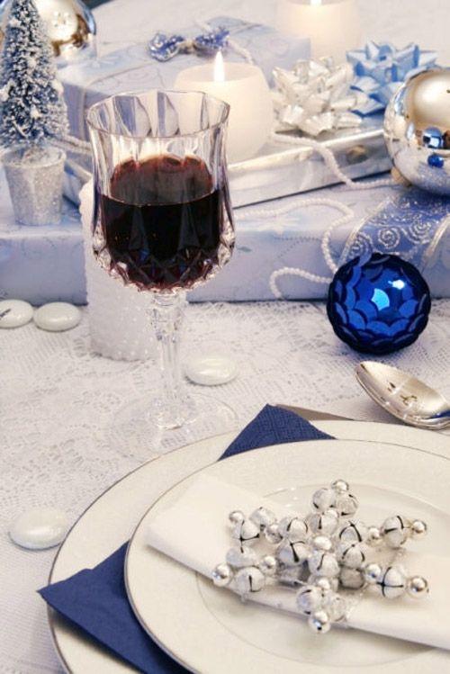 mesa azul bolas navidad