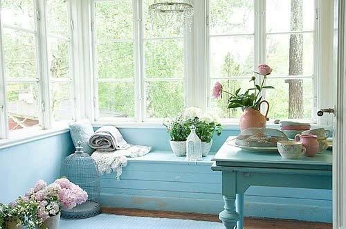 flores cuarto azul