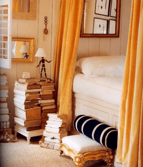 mesilla noche hecha libros
