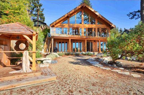Una casa de madera de ensue o en la columbia brit nica - Casas de madera por dentro ...