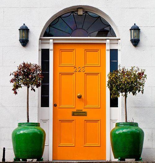 puerta amarilla indulgy