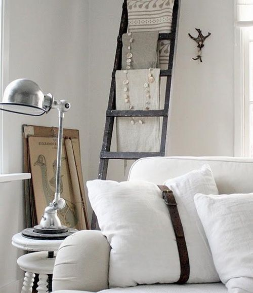 colgador ropa escalera madera ayudaadecorar.blogspot.com