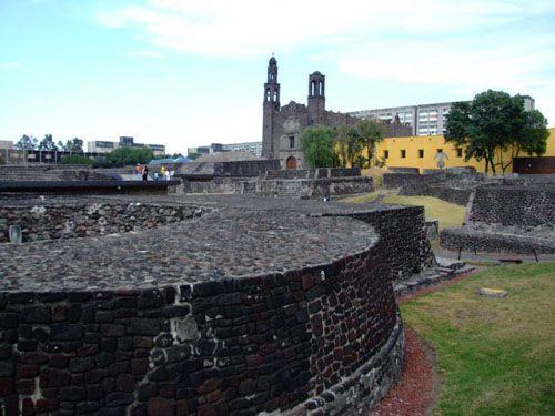 plaza tlatelolco edificaciones mario pani