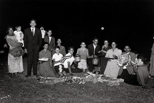 fotografia familia blanco negro virxilio vieitez hayquevivirla.blogspot.com