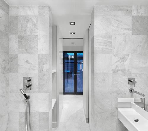 baño marmol blanco terraza martine brisson