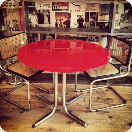 mesa roja tienda delgallo facebook
