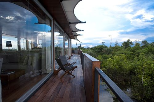 hotel de lujo flotante aqua expeditions