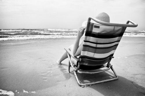 jennifer disfrutando de un dia de playa