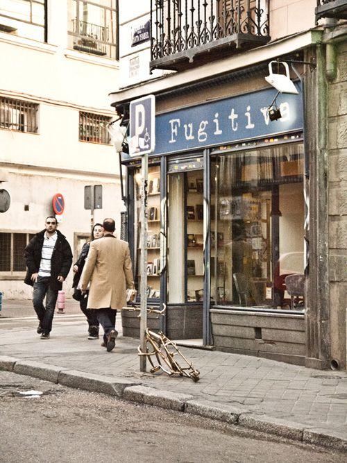 exterior libreira cafe la fugitiva madrid