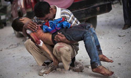 manu brabo siria pdre llora hijo muerto