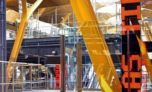 reflejos interior aeropuerto barajas jose miguel palacio
