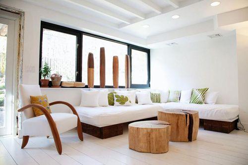 salon madera troncos