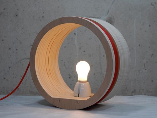 lampara woodroll diseñada valentin sanz expuesta madtastic