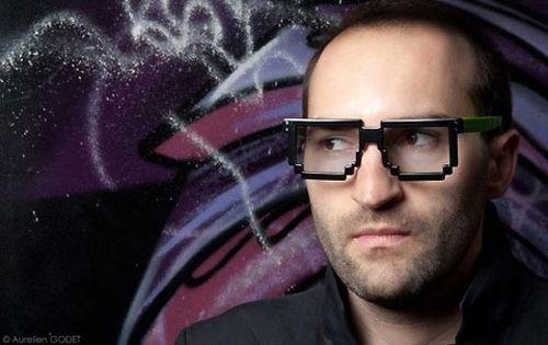 Dzmitry Samal lleva las gafas 6dpi