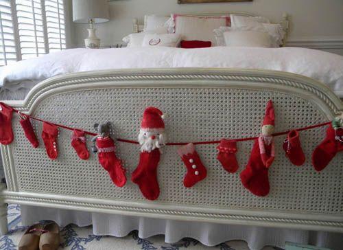 Dormitorio con toque navideño