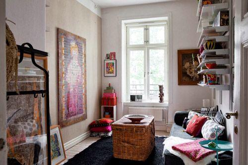 Dormitorio pequeño con estilo hippie
