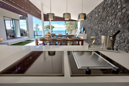 Mandalay-Beach-Cocina y Salón