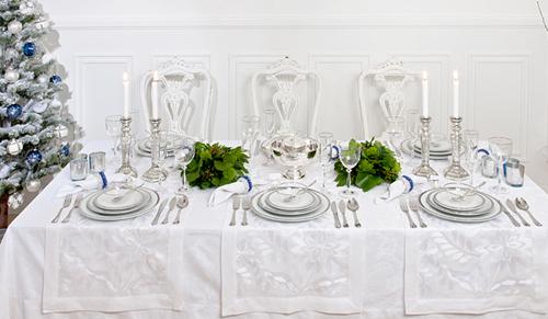 Mesa navideña en blanco