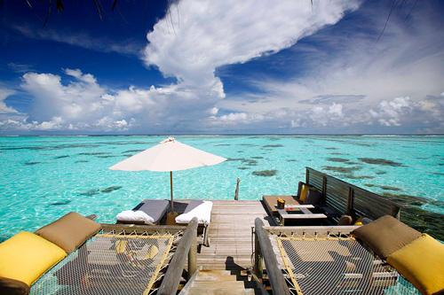 Terraza de una de las villas del resort Gili_Lankanfushi.