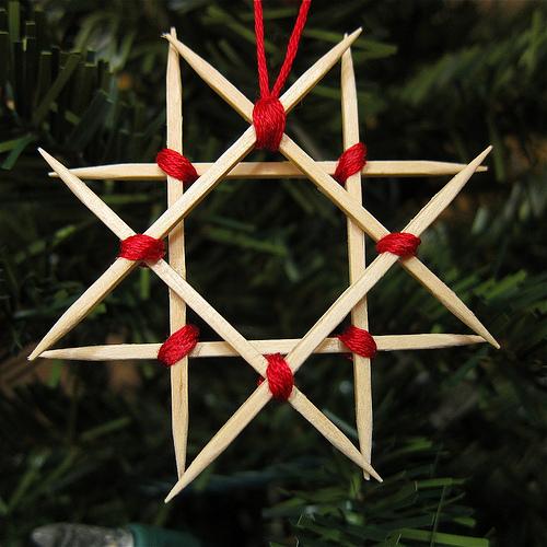 Estrella de Navidad con palillos DIY