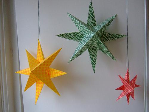 Estrellas de papel. Adornos navideños