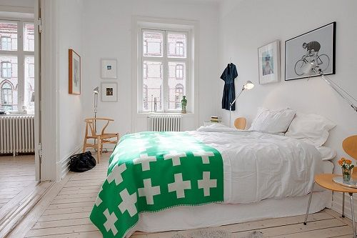 Manta verde con cruces blancas