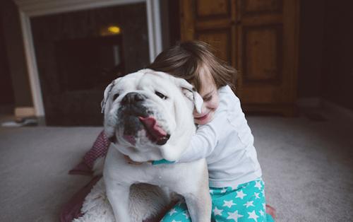 Fotografía de la amistad entre Harper y Lola