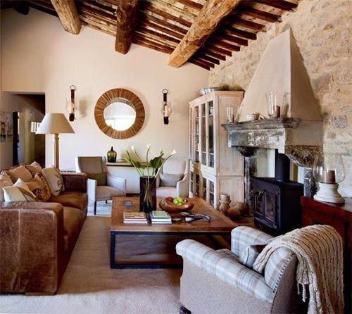 soggiorno-rustico-cristalliera-legno-sbiancato