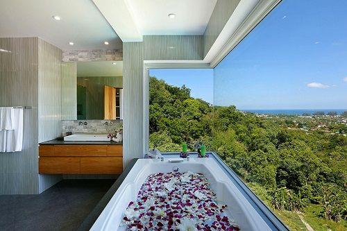 Bañera acristalada en Villa Beyond