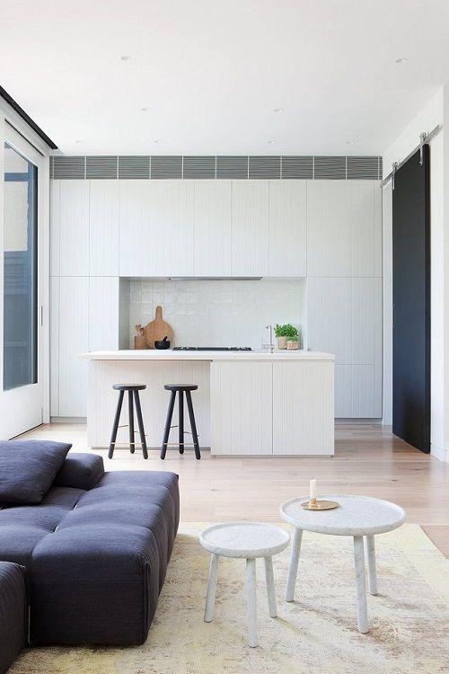 Cocina y salón en blanco