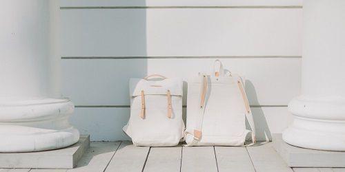 Mochilas blancas de Thisispaper Shop