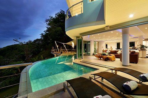 Villa Beyond con piscina en la terraza