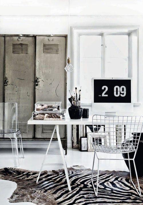 espacio de trabajo en white and black