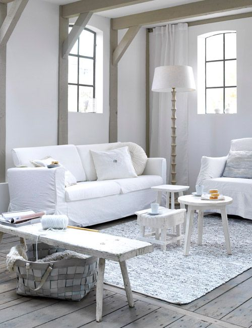 interior-blanco-salón-sofa-estilo-nórdico-white-living-room-nordic-style