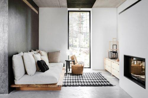 salon escandinavo con sofa de palets