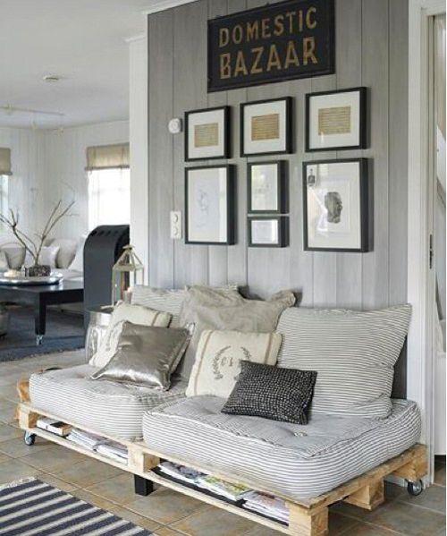 sofa con palets interior en tonalidad gris