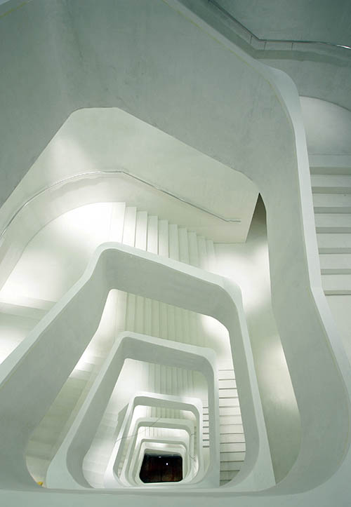 caixaforum escaleras 2