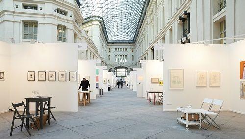 Interior de la feria de arte contemporáneo de Madrid