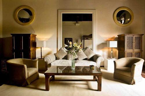 _hotel_room-mate-lorenzo castillo (1)
