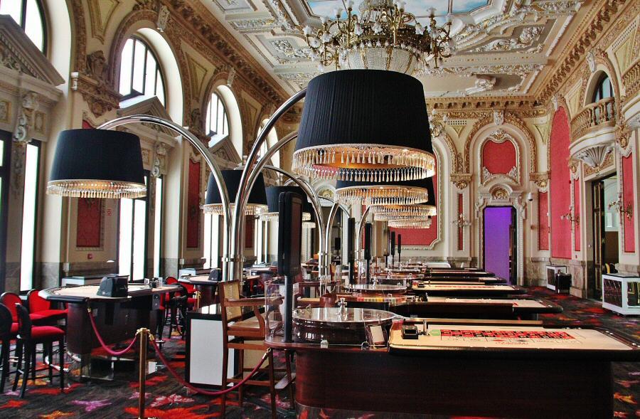 Edificios emblemáticos: descubriendo el Casino de Madrid
