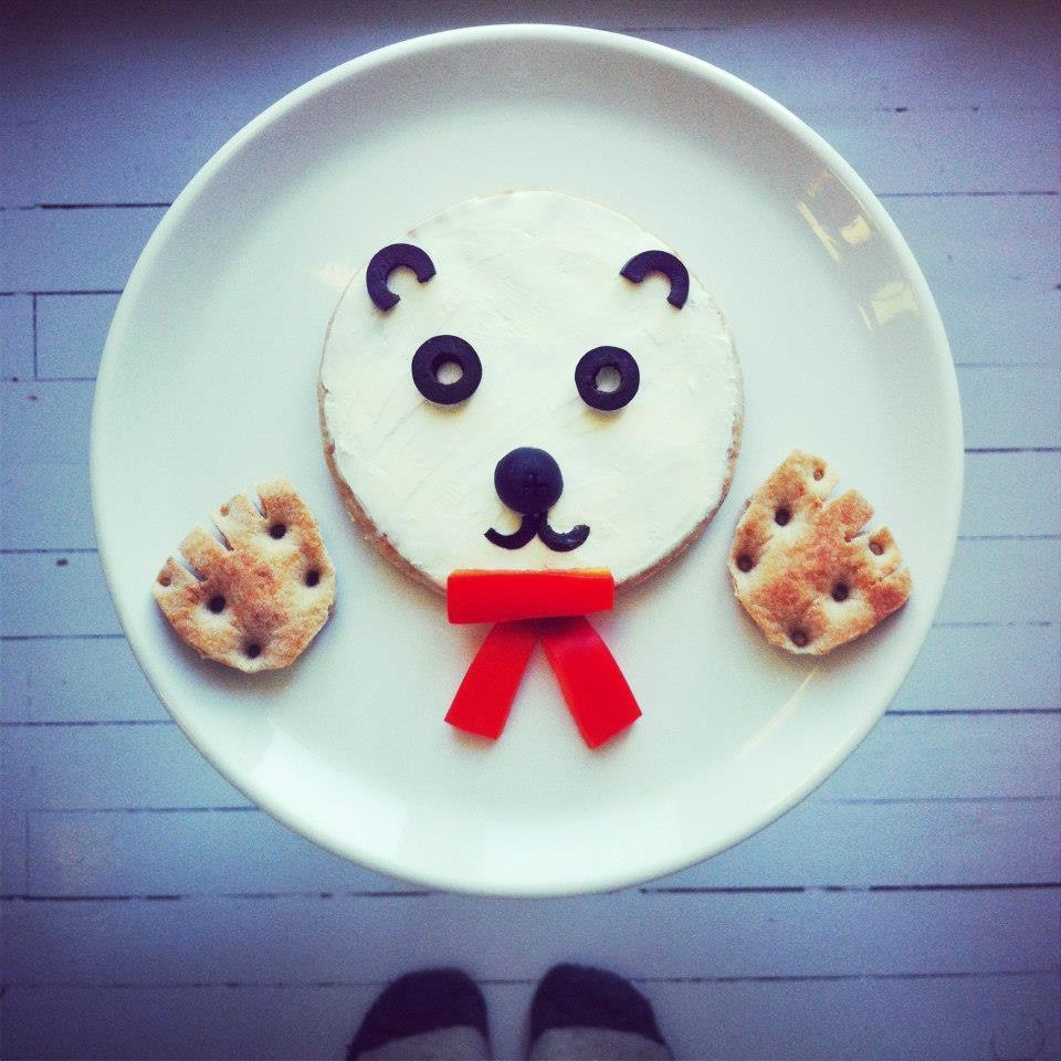 oso dibujado con comida