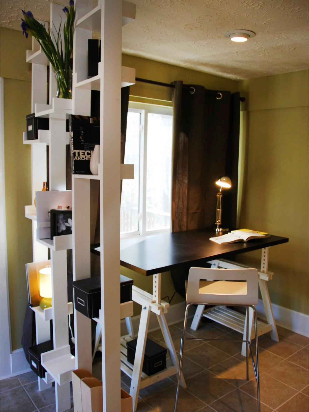 ideas decoracion pisos pequeños poco espacio separar cuartos estanteria abierta