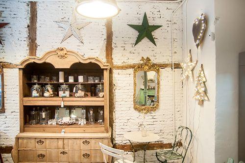il tavolo verde madrid lugares cafeteria organica anticstore antiguedades