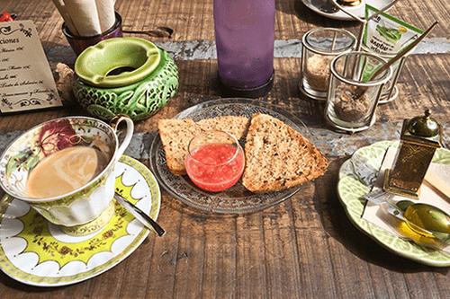 comida te bolleria cafeteria salvador bachiller montera madrid jardin secreto