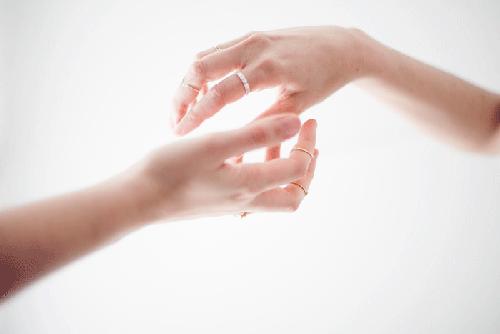 manos lookbook joyas migayo diseño español